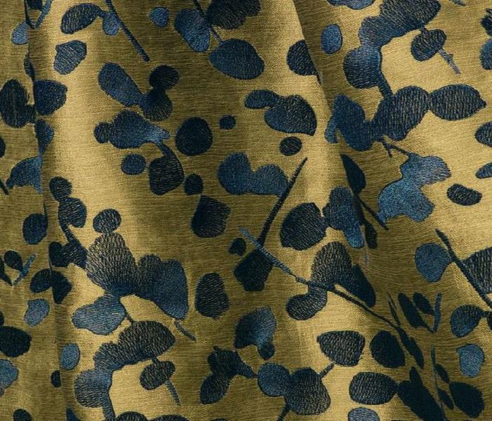 Tissu brodé de feuilles de Shiso