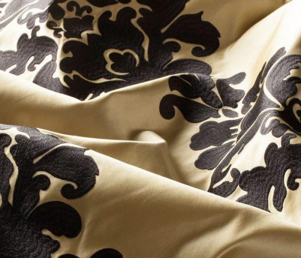 Tissu brodé de feuilles d'Acanthe