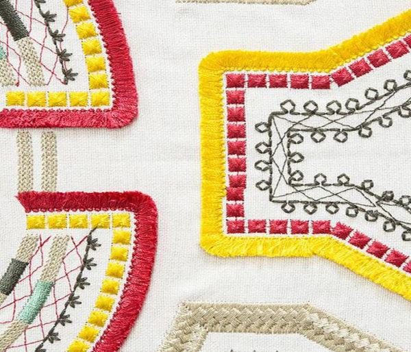 Lin brodé de motifs Africains