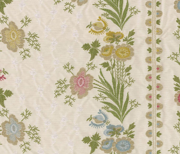 Tissu soyeux brodé de motifs champêtre