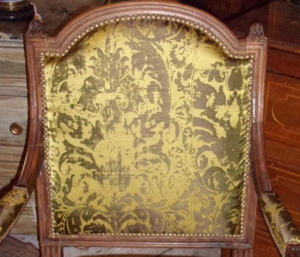 Tissu soyeux motif XVIIIeme siècle
