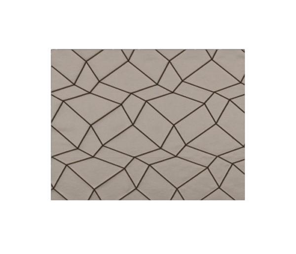 Faux-cuir brodé de losanges