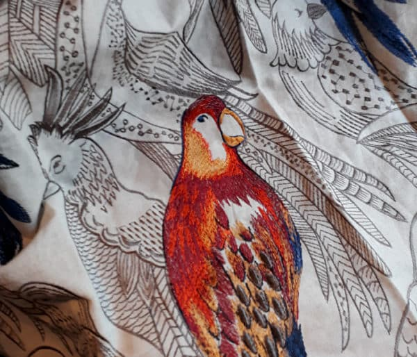 tissu motif perroquet