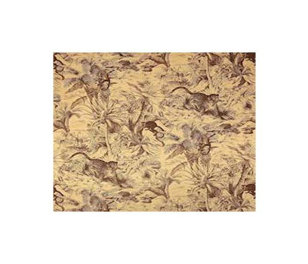 tissu imprimé de panthères au milieu de la jungle