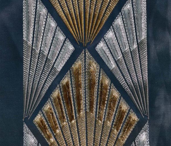 tissu art deco richement brodé