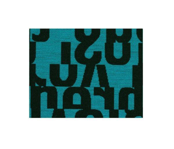 Tissu en maille design imprimé de lettres noires